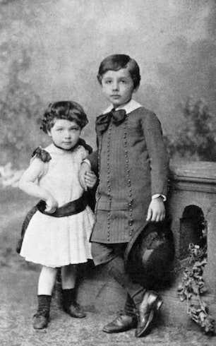 Einstein and sister